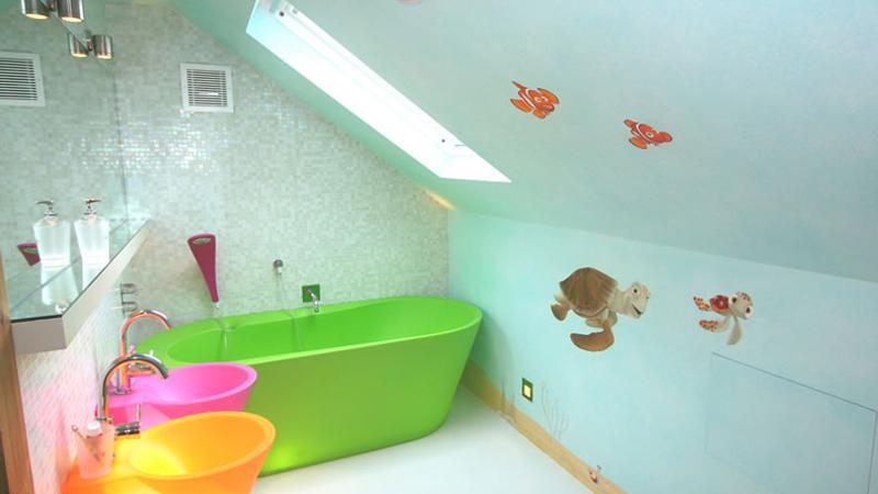 Как покрасить ванную комнату домашних условиях