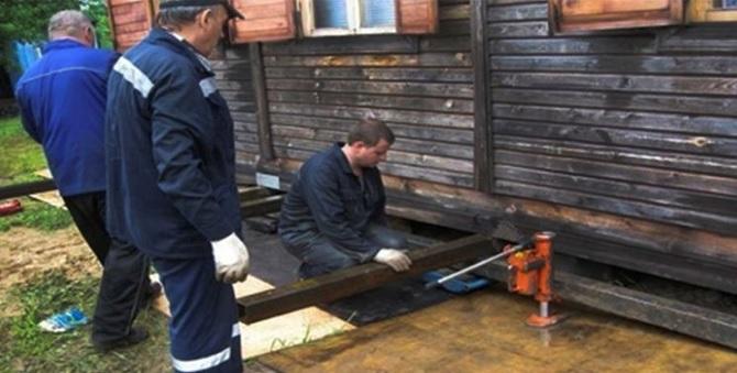 Ремонт нижних венцов деревянного дома своими руками 5