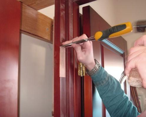 Установка межкомнатной двери своими руками и инструменты