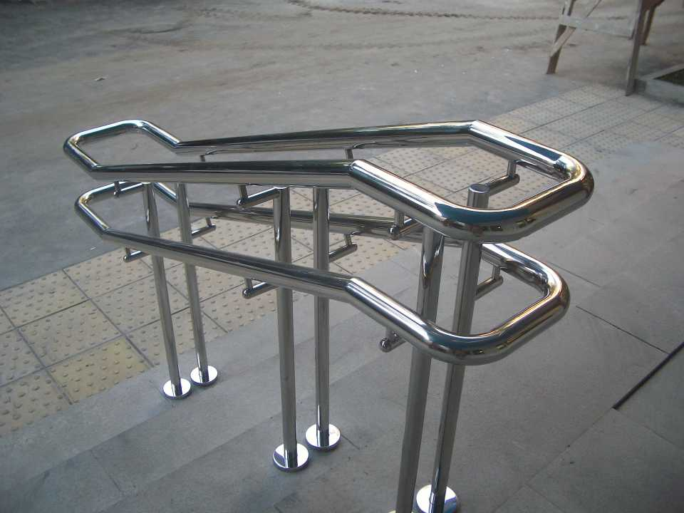Блескмет: конструкции из стали и нержавейки
