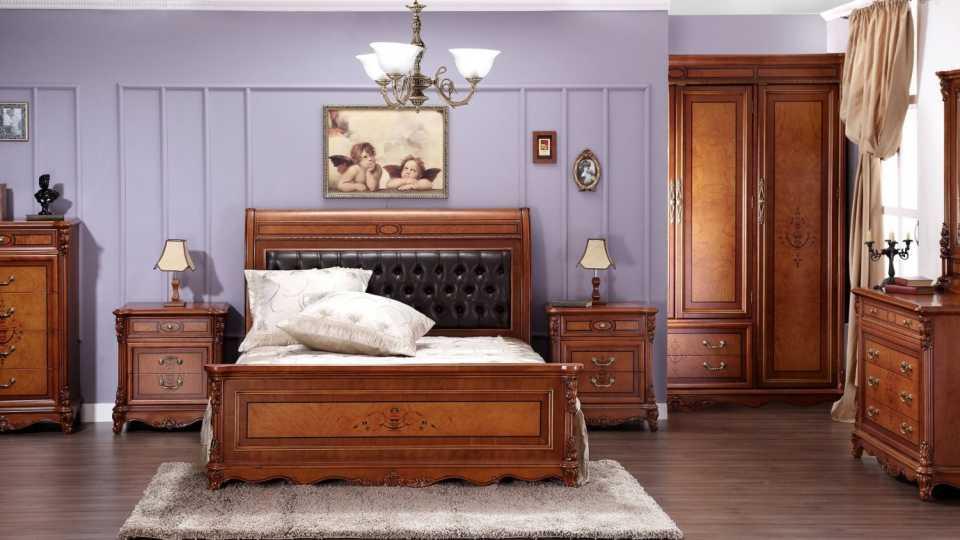 Деревянная мебель – идеальный вариант для интерьера квартиры