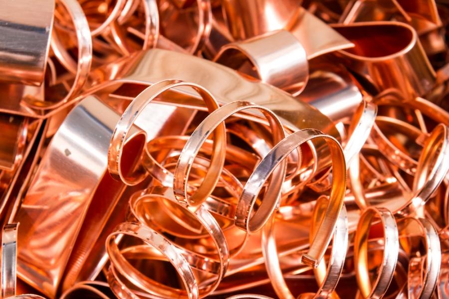 Какая компания принимает металл на выгодных условиях?