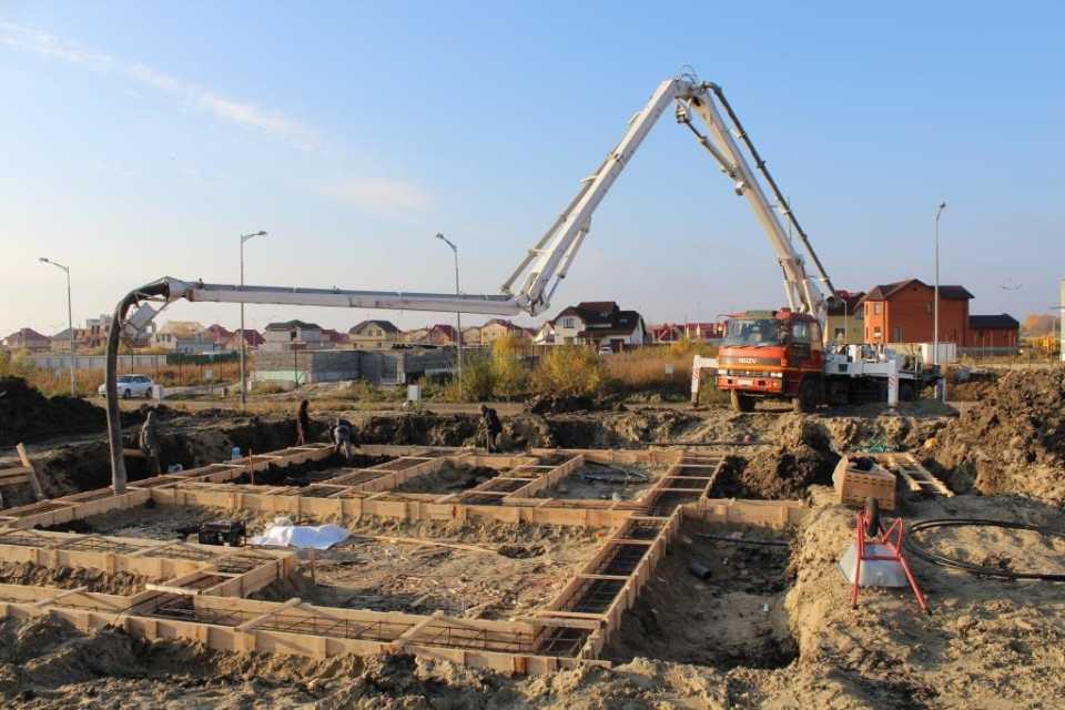 Особенности доставки бетонных смесей