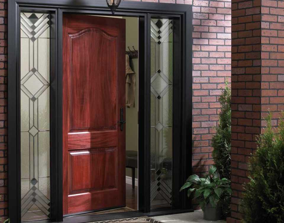 Входные двери: основные виды и типы