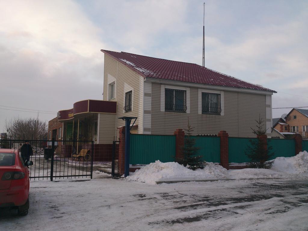 Парковка магазин «Сельхозтехника» на улице Макаренко, дом 61