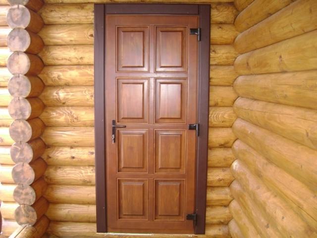 Деревянные входные двери не вышли из моды!