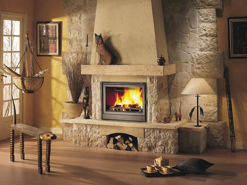 Декоративные камины – элемент интерьера и уюта в доме